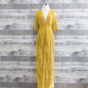 'Amelia' Lace Maxi Dress.
